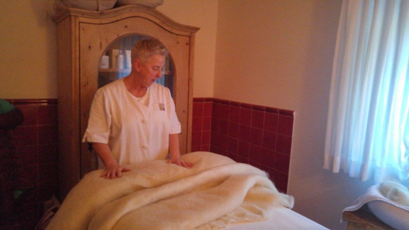 che-cos'è-il-massaggio-alla-lana-di-pecora